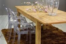 Mesas de comedor / Mesas de comedor de diferentes materiales, estilos y acabados para decorar la estancia y acoger a varios comensales.
