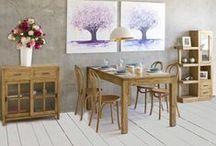 Amber / Muebles de madera de acacia y acabados con un bello efecto envejecido que les confiere un cálido estilo colonial-rústico.