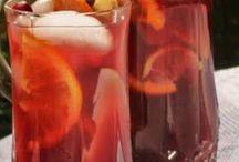 Drinks / by Nikki Haghiri