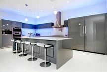 Gorgeous Kitchens / Are you a kitchen princess? Want a stunning kitchen anyway? Plenty of inspiration here! Good luck finding that special kitchen that you're looking for!