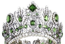 *Chantilly Style: Tantalizing Tiaras / Oh, how I crave...