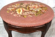 Foot Stools/Ottomans / by Sandee Carranza