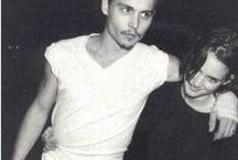 90s: Las tendencias que marcaron una década / Las tendencias que marcaron los 90´s convertidas en un board: desde el pelo rosa de Gwen Stefani a las mochila en versión mini, pasando por las bombers y los vestidos minimal de Calvin Klein.