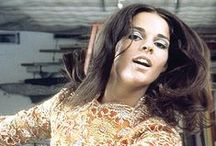ali.macgraw. / Classic Style...Then & Now