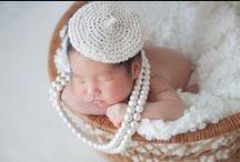 PHOTOGRAPHY|BABYBOOTH / 写真家と助産師がペアを組み、生後3週間以内の新生児のお宅を訪問する「出張写真&ケア」のサービスです。