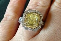 Engagement & Wedding Rings / It's all about the rock! / by Weddingish