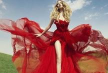 Red Romance / by Weddingish