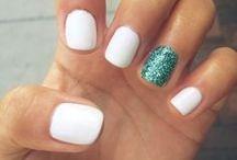 nails / by Megan Hulstine