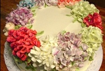 Cakes & Cupcakes  / Baking and decorating cakes brings out the creative soul in me!   / by Mindy