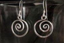 diy jewelry! / by Sharon Villagomez