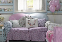 Pretty Rooms & Furnishings
