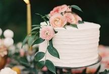 WEDDING CAKES Banff Wedding Planning / Wedding Cake Inspiration for Canadian Rocky Mountain Weddings.