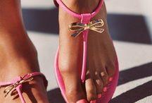 shine: on my feet / by Leslie Bradford
