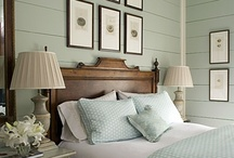 Bedrooms / by Michelle Kelly