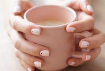 Unhas | Nailpolishes & Manicure / Unhas. Esmaltes. Tendências. Dicas. Fazer as unhas em casa. Onde comprar. Nailpolishes. Verniz. Marcas.