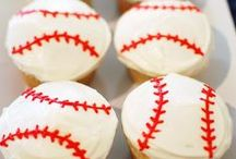 Baseball Party Ideas / Baseball | Birthday | Party | Ideas | Printables | Cake | Cupcakes | Invitation | Decorations | Favors | Games | Food | SIMONEmadeit.com