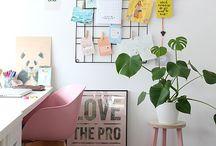 Escritório em Casa | Home Office / Ideias de decoração para home office. Escritório em casa. Ambientes pequenos. Nomadismo digital.