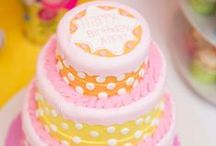 Sweet Shoppe Party / Sweet Shoppe | Party | Ideas | Printables | Cake | Cupcakes | Invitation | Decorations | Favors | Games | Food | SIMONEmadeit.com