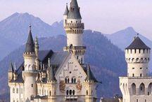 Castelos Encantados | Enchanted Castles Around the World / Castelos e fortalezas pelo mundo. Beautiful and enchanting castles around the world.