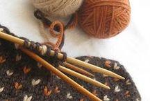Strikking og hekling / Knitting and crochet