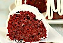 Recipes : Red Velvet Desserts / All things red velvet. From red velvet cookies, red velvet cakes, red velvet bread and everything in between. Great for Valentine's Day, Christmas or dessert!