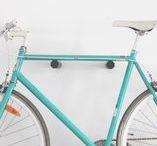 """Fahrrad Wandhalterungen """"FRESH BUDDYS"""" / Bicycledudes Fahrrad Wandhalterungen aus nachhaltigem Holz und fairer Produktion in Deutschland. #wirliebenfahrräderundholz  Fahrrad Wandhalterung, Fahrrad Wandhalter, Rennrad Wandhalter, Bikeshelf, Bikerack"""