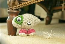 Crochet / by Lorna Watt