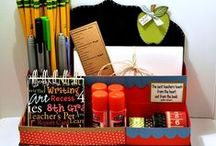 STATIONERY CADDY - THE CUTTING CAFE / This STATIONERY CADDY TEMPLATE is perfect for school and so much more...the file comes in pdf, svg, mtc and wpc. NO CUTTING  MACHINE, NO WORRIES, use the pdf for hand cutting. http://thecuttingcafe.typepad.com/the_cutting_cafe/2014/08/stationery-caddy-template-and-cutting-file.html