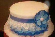 decorate :: ruffle and petal cakes / Ideas for how to decorate ruffle or petal cakes