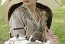 Downton Abbey: Party Like Its 1920! / Inspiring ideas for hosting your own formal dinner, afternoon tea or nouveau cocktail party like the Grantham's on Downton Abbey
