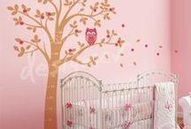 Sweet Nursery Decor / Pretty and functional ideas for Nursery Decor