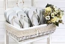 Havaianas Wedding / In Brazil there is a tradition to give your guests flip flops at your wedding so they can dance all night and keep the party going.  This season we are pleased to announce this tradition is available for everyone in Europe too! We have created 2 special models exclusively for weddings. Havaianas wedding Top and Slim, pre customised with a pair of 1 of 3 exclusive wedding pins of your choice. Place an order online at http://www.havaianas-store.com/en/faq-wedding #HavaianasWedding