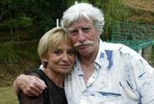 Jean Ferrat  (1930-2010) / De son vrai nom Jean Tenenbaum Deux mariages : Christine Sévres (1961-1981) (morte en 1981) et Colette Laffont (1992-2010) Une fille adoptive : Véronique Estel