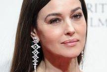 Monica Bellucci / Deux mariages et deux divorces  : Claudio Basso (1990-1994) et Vincent Cassel (1999-2013) Deux filles avec Vincent Cassel : Deva et Léonie
