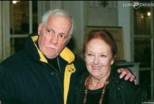 Michel Serrault  (1928-2007) et Juanita Saint-Peyron (décédée en 2008) / Marié à Juanita St Peyron (de 1958 à 2007) Deux filles : Caroline (décédée en 1977 à 19 ans  d'un accident de la route) et Nathalie Une petite-fille : Gwendoline
