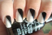 Paint all the nails!! / by Kristen Leining