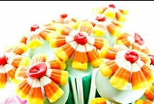 Eats: Desserts :: Cake Pops / by Beth Hughes