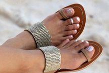Shoes / by María Jesús △ Riveros Luraschi