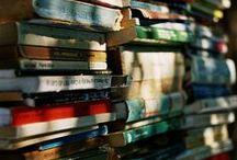 Books and Book Shelves (Livros)