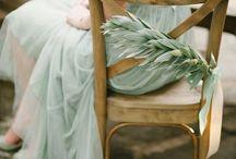 VERT DE GRIS // GREEN-GREY / Inspirations mariage en celadon http://www.leblogdemadamec.fr