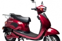 Scooteretti Dolce Vita Electric Scooter / Scooteretti's electric scooter collection. 100% electric scooters that require no license or insurance to operate. Priced at $2199