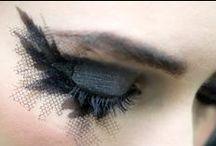 The Eyes Have It / by Roxanna Urdaneta