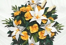 Origami Wedding / Flowers have always taken a key role in a wedding, while usually fresh, many people then favored silk flowers. In the recent years, a new trend appear: Origami Flowers.