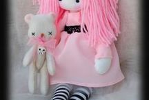 Cloth Doll Cuties / Marvelous cloth dolls for children and collectors.