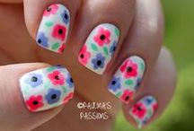 Nails: flowers / by Meredith Morrow