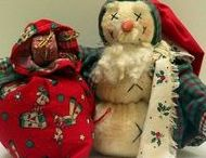 Santa Claus, St. Nick, and Father Christmas Doll & Craft Creations / Who doesn't love Santa Claus? I know I do.  Have forever.  I hope you like some of my favorites.