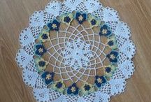Doily Tutorials, Video's, Patterns and How-to's / I just love doilies and always have.  I have doilies everywhere throughout my house and just wish I could make them.  Crochet and tatting, however, have never been my forte.  Maybe someday I'll learn and if I do perhaps these tutorials, video's and how-to's will be helpful.