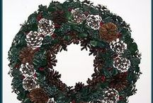 Wreath Making Tutorials, Video's, Patterns and How-To's / I just LOVE handmade wreaths of every size and type. Cloth, wood, silk floral, natural greens - it doesn't matter. Country ones, folk-art, Victorian, primitive - it doesn't matter. I LOVE them all. If you do, too, and would like to learn how to make wreaths perhaps some of these tutorials, video's and how-to's will be helpful.