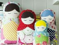 Matryoshka Tutorials, Babushka & Nesting Dolls Tutorials, Video's, Patterns and How-To's / I just love Matryoshka, Babushka & nesting dolls.   If you do, too and would like to learn how to make them I hope you find the tutorials, patterns, articles, projects, and how-to's helpful.
