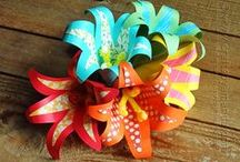 Flower Crafts Tutorials, Video's, Patterns and How-To's / I just LOVE flower crafts of all sorts of media and have made many, many flower craft creations over the years. I also love flower craft tutorials, videos, and how-to's and have found many online. Here's a few I've found.